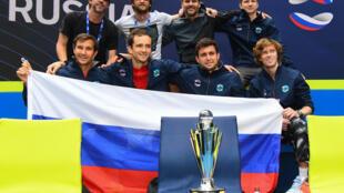 Rusia celebra la victoria de la Copa ATP tras derrotar a Italia el domingo en Melbourne