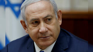 El primer ministro israelí, Benjamin Netanyahu, asiste a la reunión semanal del gabinete en su oficina de Jerusalén el 2 de diciembre de 2018.