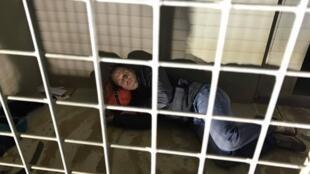 Rémi Gaillard s'est enfermé pendant quatre jours et quatre nuits dans une cage de la SPA de Montpellier pour récolter des dons en faveur des animaux.