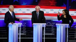 La senadora Kamala Harris hace declaraciones contra el exvicepresidente Joe Biden durante la segunda noche del primer debate para la representación del partido demócrata a las elecciones de Estados Unidos 2020. Miami, Florida, 27 de junio de 2019