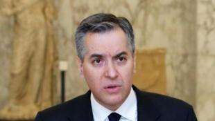 Liban mustapha adib démission premier ministre
