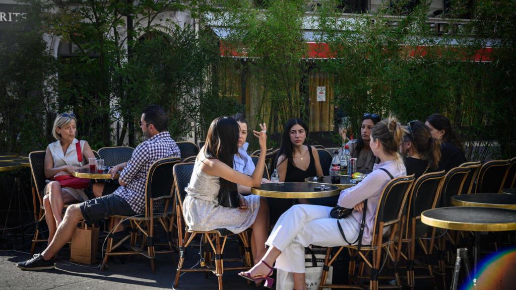 En juin, Paris sera une vaste terrasse de café