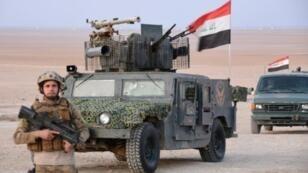 """قوات التدخل السريع العراقية خلال عملية ضد تنظيم """"الدولة الإسلامية"""" شرق طوز خورماتو 7 شباط/فبراير 2018"""
