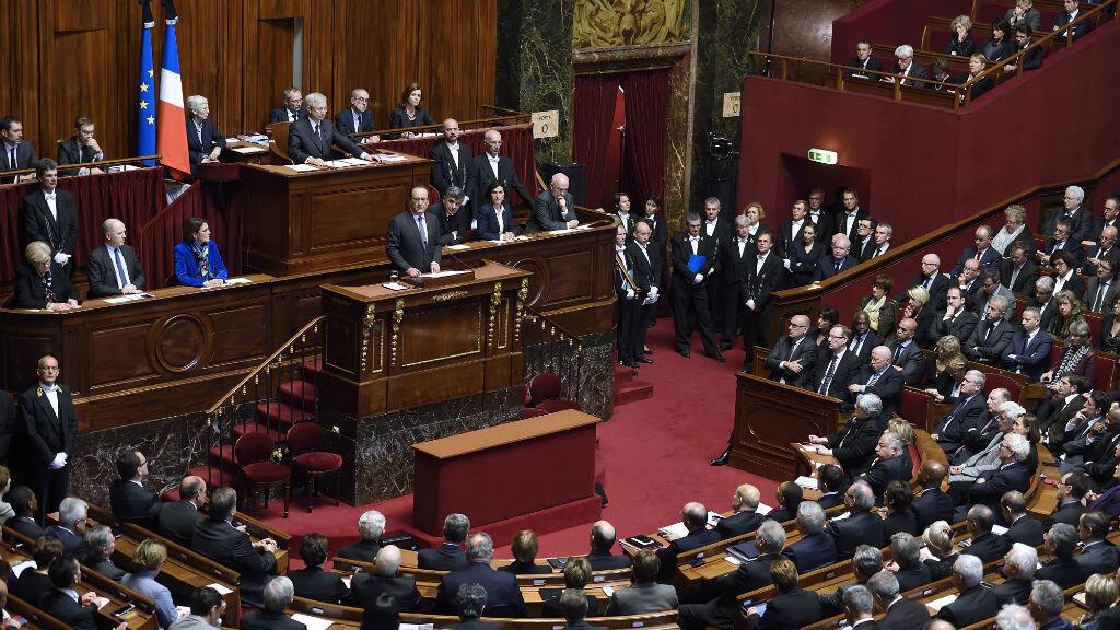 - خطاب فرانسوا هولاند أمام البرلمان الفرنسي في 16 تشرين الثاني/نوفمبر 2015