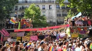 La Gay Pride à Paris, sur le boulevard Montparnasse, le 29juin2019.