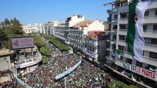 مظاهرة في العاصمة الجزائرية 29 مارس/آذار 2019.
