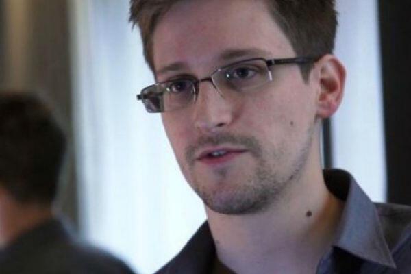 L'ex-consultant de l'Agence de sécurité américaine (NSA), Edward Snowden, encourt une peine de 30 ans de prison aux États-Unis. Il vit actuellement en exil en Russie.