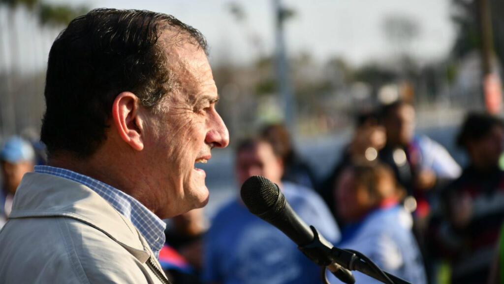 El candidato por Cabildo Abierto a las elecciones presidenciales de Uruguay, Guido Manini, durante un acto de campaña el pasado 22 de junio de 2019.