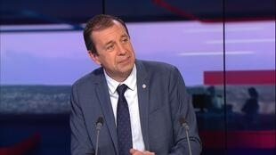 """François Jolivet (LREM): """"I cannot be an accomplice in the destruction"""" caused by cannabis"""