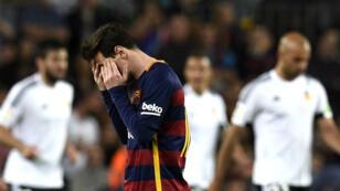 La défaite du Barça, dimanche soir contre Valence, relance une Liga très disputée.