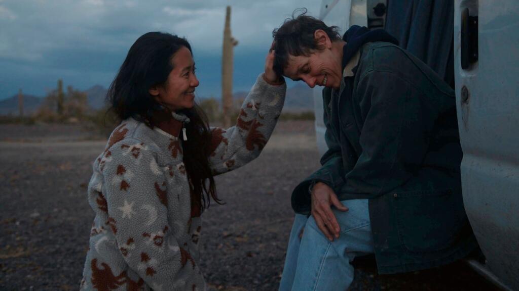 """""""Nomadland"""" de Chloe Zhao remporte le Bafta du meilleur film et du meilleur réalisateur"""