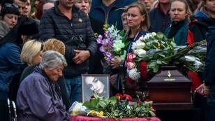 Mourners in the Russian-annexed Crimea city of Kerch