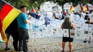 تجمع لليمين القومي تلاه مظاهرة للمناهضة بوجود مهاجرين في البلاد، شيمنيتز، ألمانيا، 25 أغسطس/ آب 2019