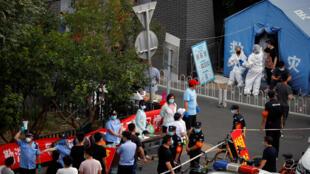 صفوف أمام مركز لإجراء فحص فيروس كورونا في بكين. 18/06/2020