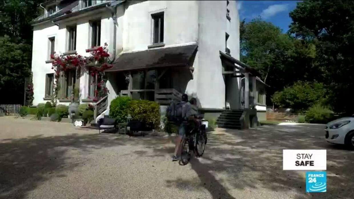 Parisians flock to painters' haven of Barbizon for breath of fresh air - France 24