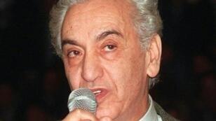 المعارض الجزائري حسين آيت أحمد في صورة تعود للعام 1999