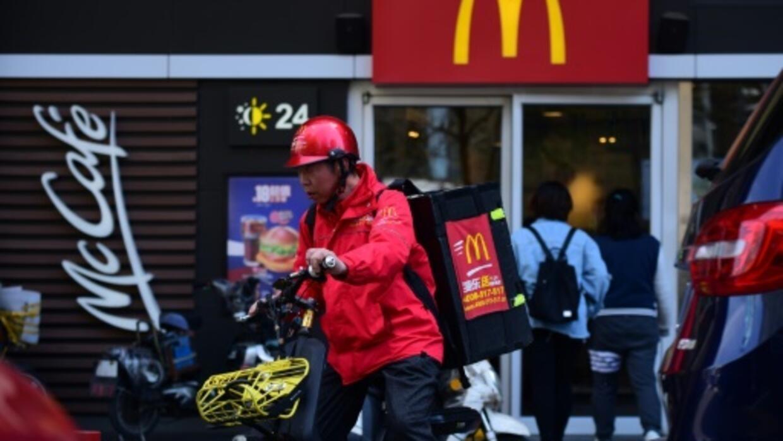 Chinese Urged To Boycott US Firms, But Big Mac Fans