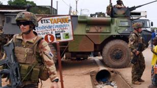 La force Sangaris au PK12, à Bangui