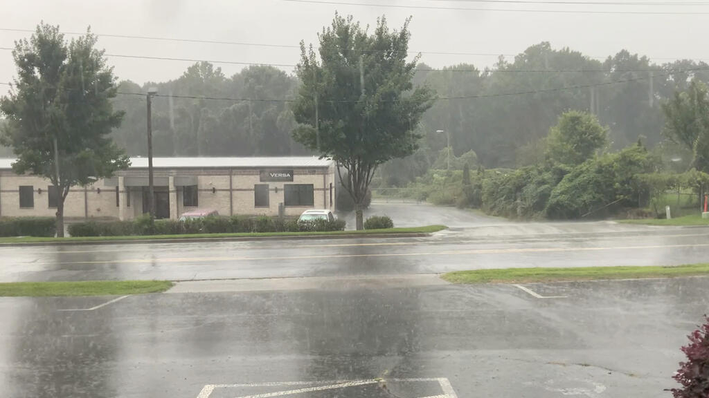Isaias strengthens back into a hurricane and hits North Carolina