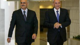 صورةم ن الأرشيف يظهر فيها النائب اللبناني علي حسن خليل مرافقاً رئيس مجلس النواب اللبناني نبيه بري خلال زيارة إلى دمشق في 7 نيسان/أبريل 2008