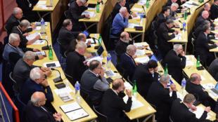 La Conference des évêques de France rassemblée à Lourdes, le 4 novembre 2014.