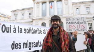 """Cédric Herrou, l'agriculteur devenu le symbole de l'aide aux migrants, réclamait l'abolition du """"délit de solidarité""""."""