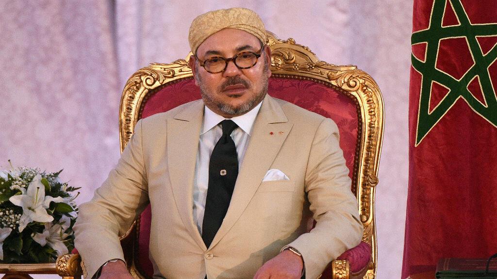 Le roi du Maroc Mohammed VI, le 20 septembre 2015 à Tanger, lors de la signature d'un accord avec la France en prévision de la COP-21.