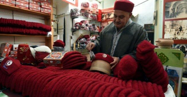 Photo prise dans une boutique de chechia, un couvre-chef traditionnel de Tunisie, le 21 mai 2018, à Tunis.