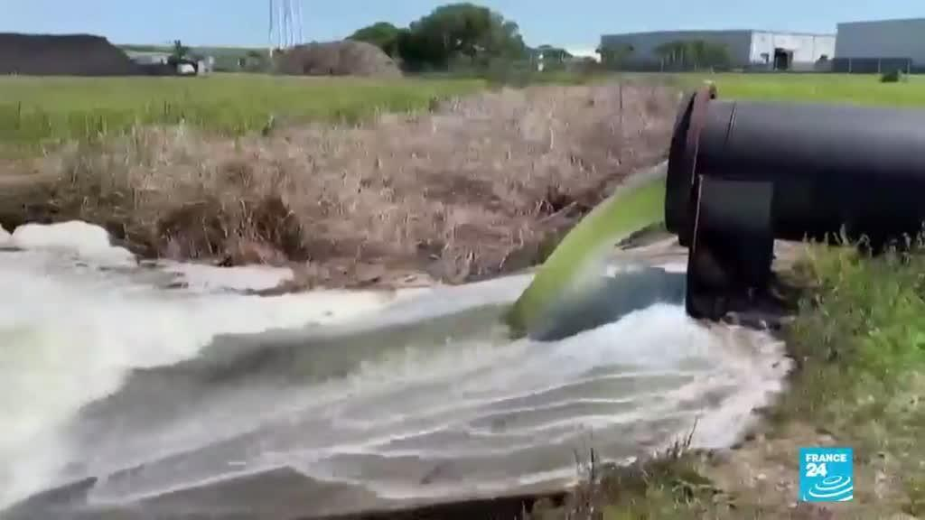 2021-04-05 14:35 Embalse de aguas residuales amenaza a Florida con un desastre medioambiental