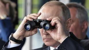 Vladimir Poutine, à la recherche de la croissance perdue.