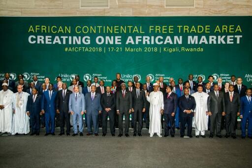 Les chefs d' Etats et de gouvernements des 44 pays africains ayant signé à Kigali un accord pour créer une zone de libre-échange continentale (Zlec), le 21 mars 2018