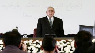 عبد القادر بن صالح عقب تعيينه رئيسا مؤقتا من البرلمان الجزائري، العاصمة الجزائرية - 9 أبريل/نيسان 2019.