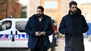 La star du handball français Nikola Karabatic et son frère Luka, lors de leur procès en novembre 2016.