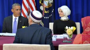 باراك أوباما يشارك في مناقشات مائدة مستديرة مع أعضاء الجالية المسلمة 3 فبراير/شباط 2016