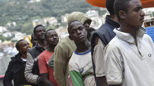 Des migrants pris en charge dans le sud de l'Italie, en novembre 2016.