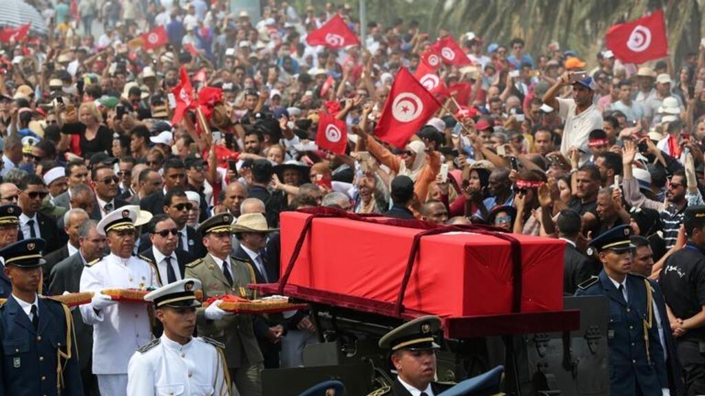 تونس تودع رئيسها الراحل الباجي قايد السبسي في جنازة تاريخية مهيبة