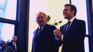 François Bayrou (à gauche) et Emmanuel Macron ont tenu jeudi 23 février une conférence de presse depuis le Palais de Tokyo à Paris.
