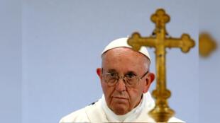 Imagen de archivo. El Papa Francisco dirige una misa en el Palexpo en Ginebra, Suiza, el 21 de junio de 2018.