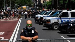 2020-06-12T194516Z_1744182802_RC2V7H92C8YC_RTRMADP_3_MINNEAPOLIS-POLICE-PROTESTS-NEW-YORK