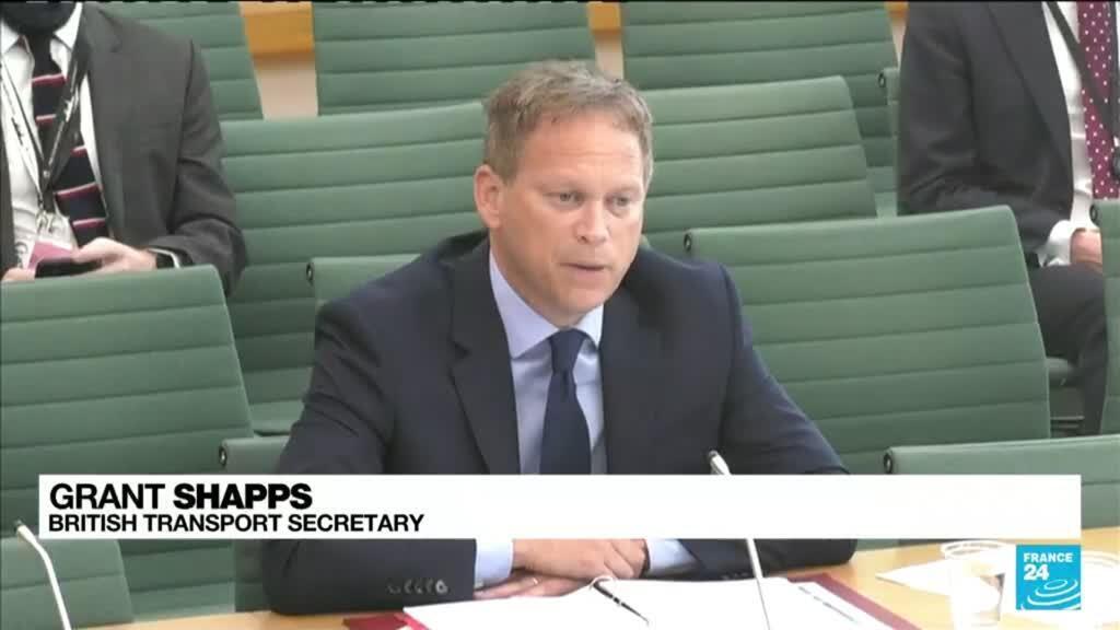 2021-09-24 12:11 UK petrol shortage: Govt urges public calm over shut fuel stations