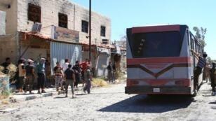 ينص الاتفاق على خروج المسلحين من مناطق القدم والحجر الأسود ومخيم اليرموك جنوب دمشق