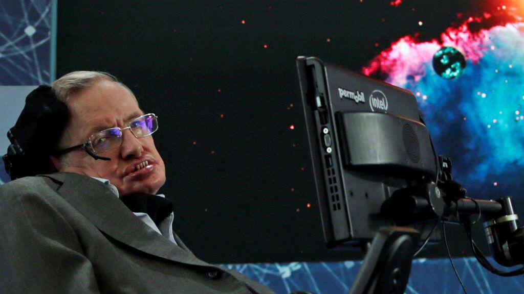 El científico británico Stephen Hawking durante una rueda de prensa en Nueva York, Estados Unidos, el 12 de abril de 2016.