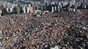 070420-bresil-covid-favelas-m