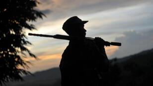 Un soldat rebelle dans l'État Kachin, dans le nord de la Birmanie, en 2012.