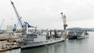 Les navires Marne, Var et Durance dans le port de Toulon le 15 octobre 2013.