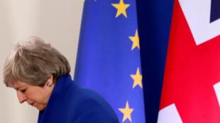 رئيسة الوزراء البريطانية تيريزا ماي.