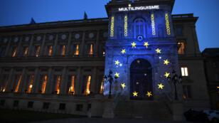Le ministère des Affaires étrangères en France éclairé aux couleurs de l'UE pour l'anniversaire du Traité de Rome, le 25 mars 2017.