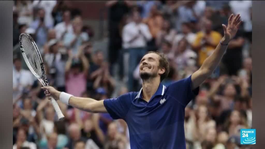 2021-09-13 10:12 Medvedev s'adjuge l'US Open et brise les rêves de Grand Chelem calendaire de Djokovic