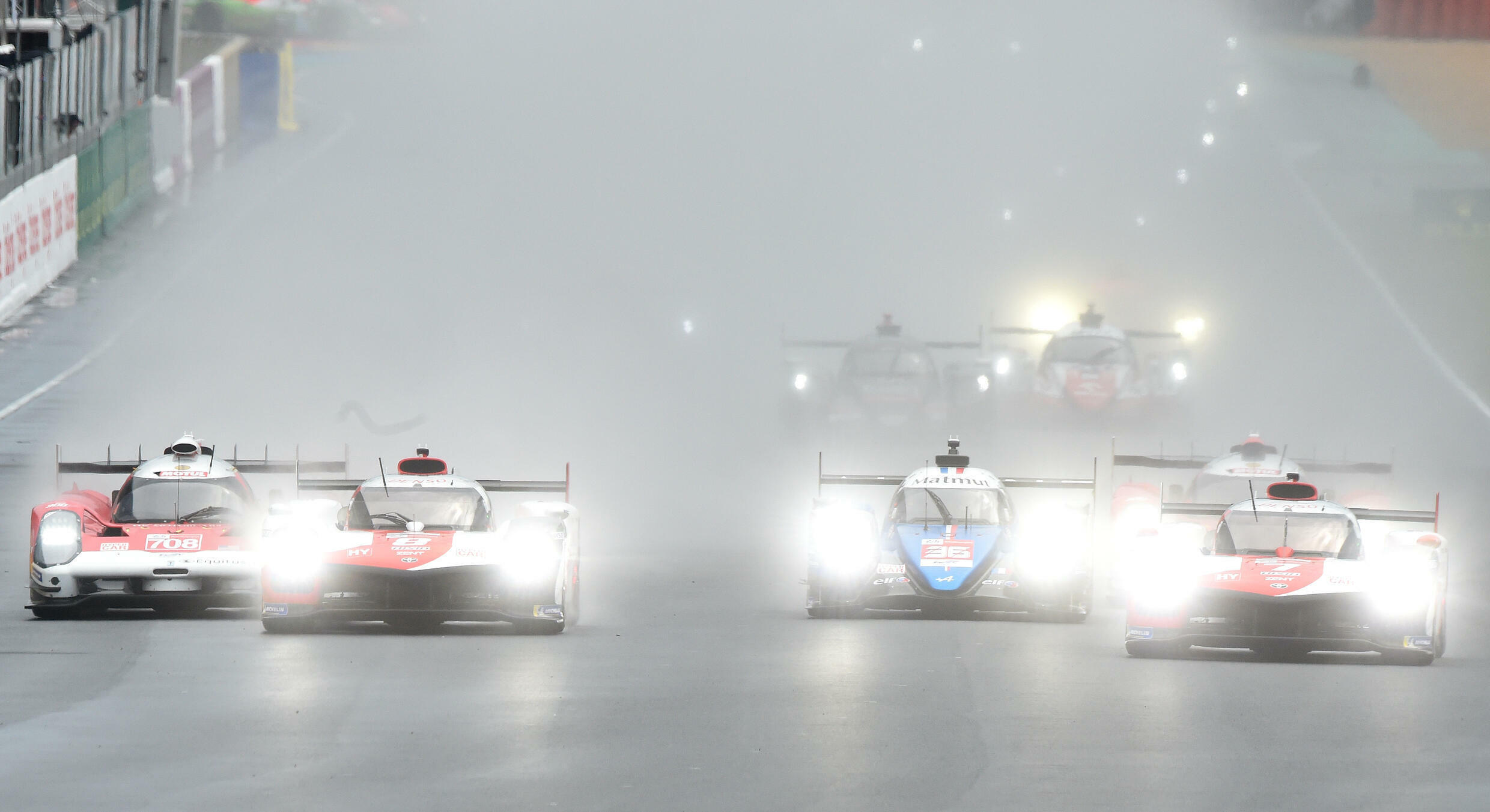 Wet start for the Le Mans grid on Saturday