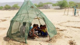 Des enfants déplacés, au nord du village d'Abs, dans la province de Hajjah, le 16 september 2018.